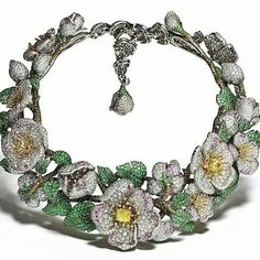 We have seen the light! And that light is Giampiero Bodino and one of many of his magnificent creations, the Simonetta necklace. Featuring fancy yellow diamonds, white diamonds, cognac diamonds, pink sapphires and emeralds set in yellow and white gold.