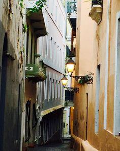 Inspiration tonight.. The unknown, secluded, fascinating alleys of Old San Juan., #love #sanjuan #alleys #soromantic #socharming #architecture #spanishcolonial #islandlife #puertorico #lovely #inspiration #tonight #instalike
