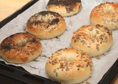 Ring Cake, Bagel, Scones, Bread, Recipes, Croissant, Foods, Bedroom, Gourmet