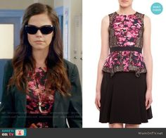 Jenna's pink floral top on Pretty Little Liars Pll, Pretty Little Liars Fashion, Style Guides, Dress Skirt, Floral Tops, Fashion Outfits, Tammin Sursok, How To Wear, Clothes