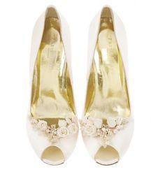 48af24ea1367 14 Best Designer Bridal Accessories by Freya Rose images