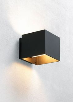 Black aluminum / Outdoor lighting cube wall lamp