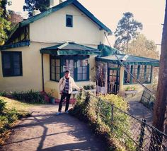 Private Hotal in Darjeeling Near Mahakal Temple, Observatory Hill, Chowrasta, Darjeeling, India-Travellershelp