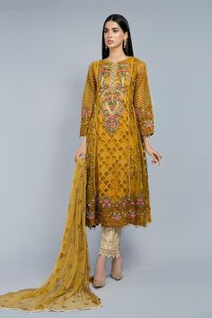 Latest Maria B Pret Stitched Summer Dresses Designs Collection consists of casual day wear & evening wear ready to wear suits in lawn, chiffon, Pakistani Dress Design, Pakistani Outfits, Designer Wear, Designer Dresses, Western Dresses, Ready To Wear, Chiffon, Summer Dresses, Stylish