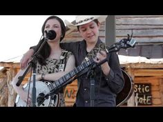 ▶ Five String Fest 2014 Willow Osborne and Col. Issac Moore Banjo Trickery - YouTube