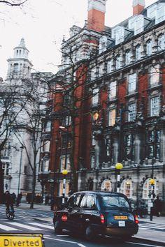London | http://www.finchandfawn.com #london #travel