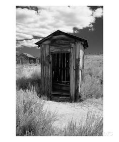 Outhouse in Ghost Town Bodie California - George Oze Abandoned Buildings, Abandoned Places, Bodie California, New Fine Arts, Old Barns, Ghost Towns, Black And White Photography, Wall Art Prints, Country