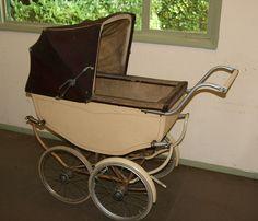 Vintage Pram, Prams And Pushchairs, Baby Carriage, Wheelbarrow, 1940s, Baby Dolls, Baby Strollers, Retro, Ww2