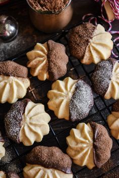 Malted Shortbread Cookies: malted milk powder is added to a classic buttery shortbread cookie that is baked till golden and then dipped in dark chocolate! These Malted Shortbread Cookies remind me of one of my Buttery Shortbread Cookies, Shortbread Recipes, Italian Christmas Cookies, Italian Cookies, Bakery Recipes, Sweets Recipes, Pastries Recipes, Lemon Icebox Cake, Milk Powder Recipe