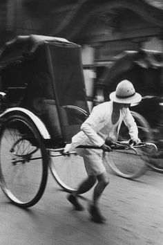 Rickshaw, Ginza, Tokyo, 1938 by Hiroshi Hamaya. S)