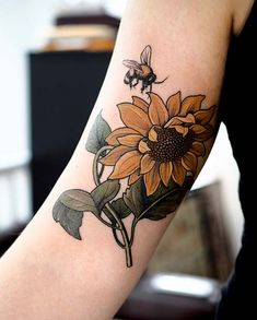 21 Cute Bumble Bee Tattoo Ideas for Girls Vibrant Sunflower and Bee Tattoo Design - Popular Tattoo Designs Unique Tattoos, Beautiful Tattoos, New Tattoos, Body Art Tattoos, Girl Tattoos, Sleeve Tattoos, Tattoos For Women, Awesome Tattoos, White Ink Tattoos