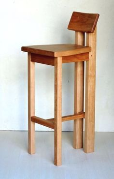 Chair Design Ideas Woodworking is a multifaceted craft that can result in many beautiful and useful pieces. If you are looking to learn about woodworking, then you have came to the right place. Woodworking Toys, Woodworking Furniture, Furniture Plans, Wood Furniture, Furniture Design, Wooden Chair Plans, Wood Toys Plans, Chair Design Wooden, Wooden Stools