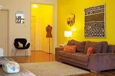 Resultado de imagem para sala com parede amarela