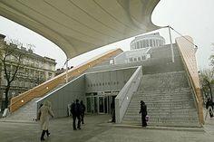 Das Flaggschiff der Büchereien Wien, die Hauptbücherei am Urban-Loritz-Platz, feiert zehnten Geburtstag.