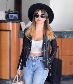 It is a queen❤ on Casual Chic, Celebrity Style Inspiration, Basic Style, Rock Style, Queen, Pretty Woman, Spring Summer Fashion, New Look, Leather Jacket