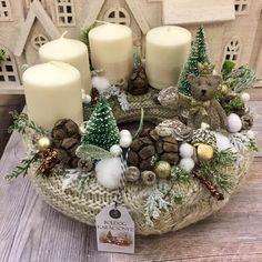 Adventi koszorúk és még sok más - Villa Majolika Advent Wreath Candles, Christmas Advent Wreath, Christmas Wood Crafts, Noel Christmas, Modern Christmas, Rustic Christmas, Handmade Christmas, Christmas Arrangements, Xmas Decorations