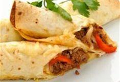 Wraps gevuld met gehakt,paprika,ui en kaas uit de oven