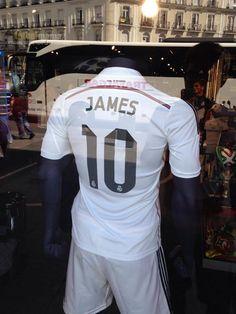 Le maillot de James Rodriguez au Real Madrid - http://www.actusports.fr/113252/maillot-james-rodriguez-au-real-madrid/