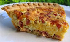 Cracked Out Quiche Recipe - homemade quiche filled with cheddar, bacon and ranch. Can make ahead of time and freeze unbaked for a quick breakfast/dinner later. day dinner menu Cracked Out Quiche - Plain Chicken Breakfast Quiche, Breakfast For Dinner, Breakfast Dishes, Breakfast Recipes, Breakfast Ideas, Breakfast Healthy, Health Breakfast, Morning Breakfast, Quiche Recipes