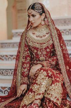 Ayeza khan looks stunning in her recent bridal photo shoot. Pakistani Bridal Couture, Pakistani Wedding Outfits, Bridal Outfits, Pakistani Dresses, Indian Dresses, Bridal Lehenga, Shaadi Lehenga, Walima Dress, Shadi Dresses
