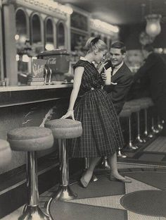 Teenagers on a date in the '50s. Wish I could be in this era.