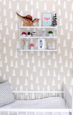 Wallpaper + simple shelving http://kotipalapeli.blogspot.nl/