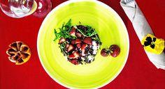 insalata di riso venere con fragole e feta, una ricetta veloce e gustosa dello chef Mark