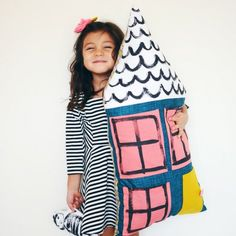 Learn how to make this adorable dollhouse pillow!