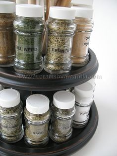 Last summer I was browsing a garage sale and saw this wooden, two-tiered lazy Susan type spice rack. Over all, the spice Build A Spice Rack, Diy Spice Rack, Diy Craft Projects, Craft Tutorials, Crafts For Kids, Craft Ideas, Diy Ideas, Food Ideas, Decor Ideas