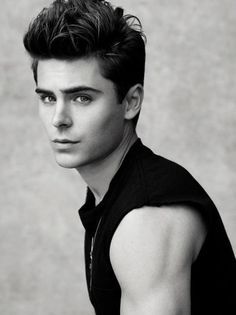 I've decided that I'm obsessed with Zac Efron now >.< seeing him this hot makes me fogey he was ever in high school musical. Zac Efron Tumblr, Zec Efron, Pretty People, Beautiful People, Perfect People, High School Musical, Attractive People, Hot Boys, Belle Photo
