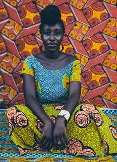 Deo Gratias in Jamestown Accea Ghana African Inspired Fashion, African Fashion, Ankara Fashion, African Women, African Art, African Prints, Costume Renaissance, Fashion Mode, African Design
