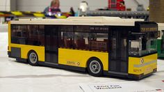 One of a line-up of great buses by Alexandre Campos. Lego City Bus, Lego Bus, Lego Truck, Lego Lego, Lego Shuttle, Amazing Lego Creations, Lego Vehicles, Passenger Aircraft, Lego Construction