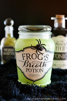 Halloween Apothecary Jars Halloween apothecary jars & link to a glow in the dark slime recipe. Makes a great Halloween party favor! Halloween Potion Bottles, Halloween Potions, Halloween Labels, Halloween Party Favors, Holidays Halloween, Halloween Treats, Halloween Diy, Halloween Decorations, Diy Halloween Apothecary Jars