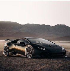 Car Photos, Car Pictures, Black Beast, Last Mile, Classy Cars, Car Museum, Lamborghini Huracan, Amazing Cars, Car Car