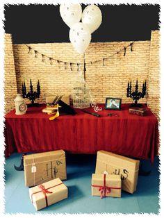 Decoración en fiesta de disfraces con temática Harry Potter.