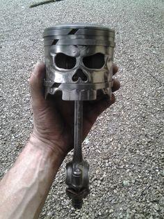 Skull Piston From Morgan S Garage Fabrication Arte Metal Art Projects, Welding Projects, Metal Crafts, Car Part Art, Car Furniture, Sculpture Metal, Garage Art, Scrap Metal Art, Iron Art