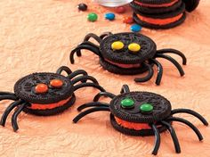 Itsy Bitsy Spider Cookies (Easy and Cute)