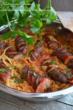 Sausage in onion and pepper sauce - Kiełbasa w sosie cebulowo paprykowym - kuchnia na obcasach Sausage Recipes, Pork Recipes, Best Appetizers, Appetizer Recipes, Kitchen Recipes, Cooking Recipes, Kielbasa, Middle Eastern Recipes, Pork Dishes
