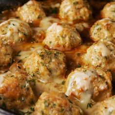 These Chicken Meatballs Have Everything You Love About French Onion Soup Breakfast Recipes, Dinner Recipes, French Onion Chicken, Ratatouille, Steak Bites, Chicken Meatballs, Thing 1, Finger Food Appetizers, Finger Foods