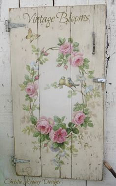 Shabby Chic Crafts, Shabby Chic Farmhouse, Shabby Chic Pink, Shabby Chic Cottage, Shabby Chic Homes, Decoupage Furniture, Hand Painted Furniture, Paint Furniture, Shabby Chic Furniture