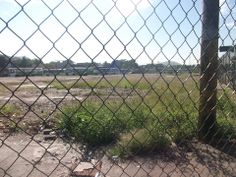 Eu Cuido Do Meu bairro.    Moradores da Pavuna querem saber o que será feito da área da antiga rodoviária que foi implodida e desde então nada foi resolvido e passado a população do bairro.