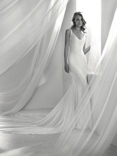 Brautkleid imposante Schleppe