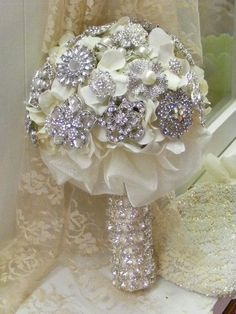 brooch bouquet beautiful | Brooches♥Bouquets♥Brooch Bouquets)