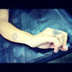 Tatuaggi sottili e femminili - 65 idee per tatuaggi sottili, femminili e delicati. Quale ti faresti? - alfemminile.com