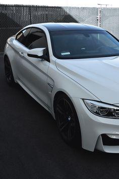 vistale:  BMW M4 | via