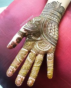 Mehndi is something that every girl want. Arabic mehndi design is another beautiful mehndi design. We will show Arabic Mehndi Designs. Full Hand Mehndi Designs, Simple Arabic Mehndi Designs, Henna Art Designs, Mehndi Designs For Girls, Mehndi Designs For Beginners, Mehndi Designs 2018, Modern Mehndi Designs, Mehndi Design Photos, Wedding Mehndi Designs