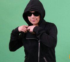 Darren wearing his hoody jacket for his up coming music video. Hoody, Hoodie Jacket, Espanto, Jay, Music Videos, Menswear, Teen, Celebrity, Singer
