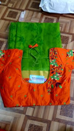 Kids Blouse Designs, Fancy Blouse Designs, Blouse Neck Designs, Wedding Saree Blouse Designs, Blouse Styles, Kurti Embroidery Design, Embroidery Works, Hand Embroidery, Stylish Blouse Design