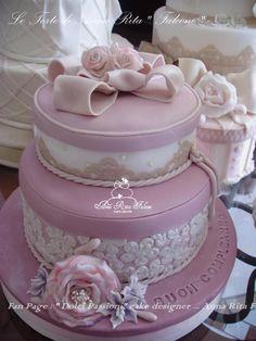 Cake flower vintage