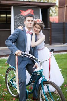 vintage bike at wedd
